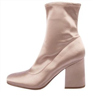 NWOB Marc Fisher Satin Ankle Booties